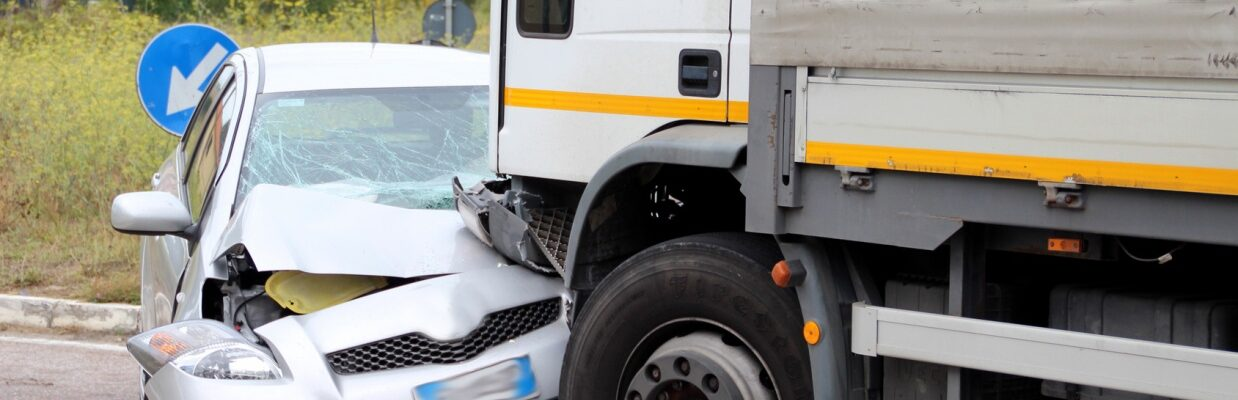 Should you Invest in an Expensive or Cheap Truck Accident Lawyer